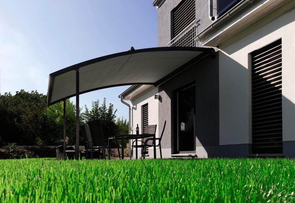 Pergola-Markisen bieten Sonnen- und Windschutz für Terrassen